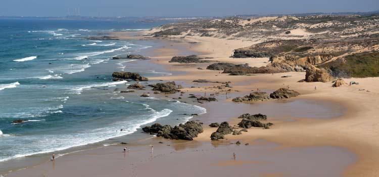 praia-malhao-beach